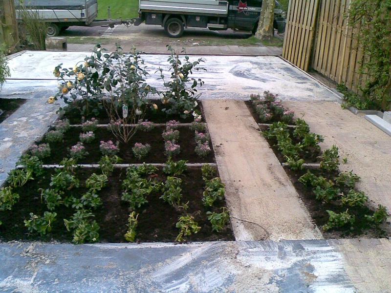 Tuin met waterornament van der linden hoveniers veenendaal for Waterornament tuin